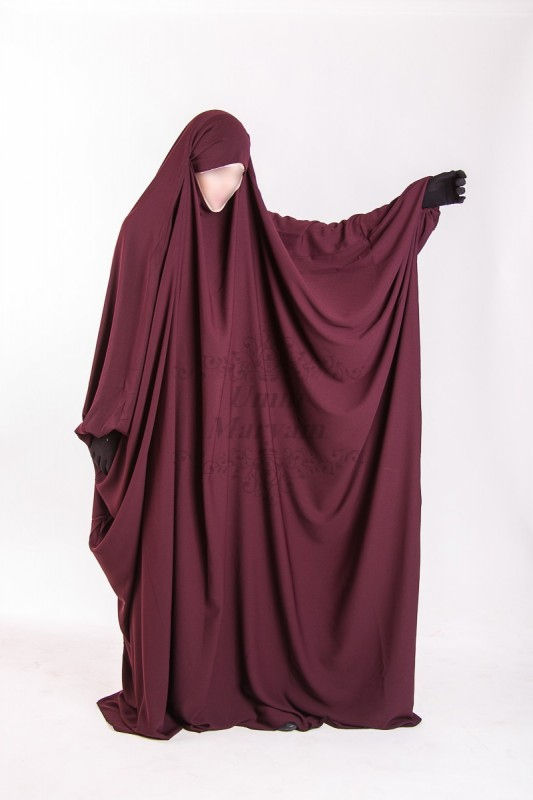 Jilbeb Saoudien Umm Maryam Bordeau tissu Crêpe (SC)
